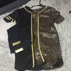 Black and gold jersey with matching leggings